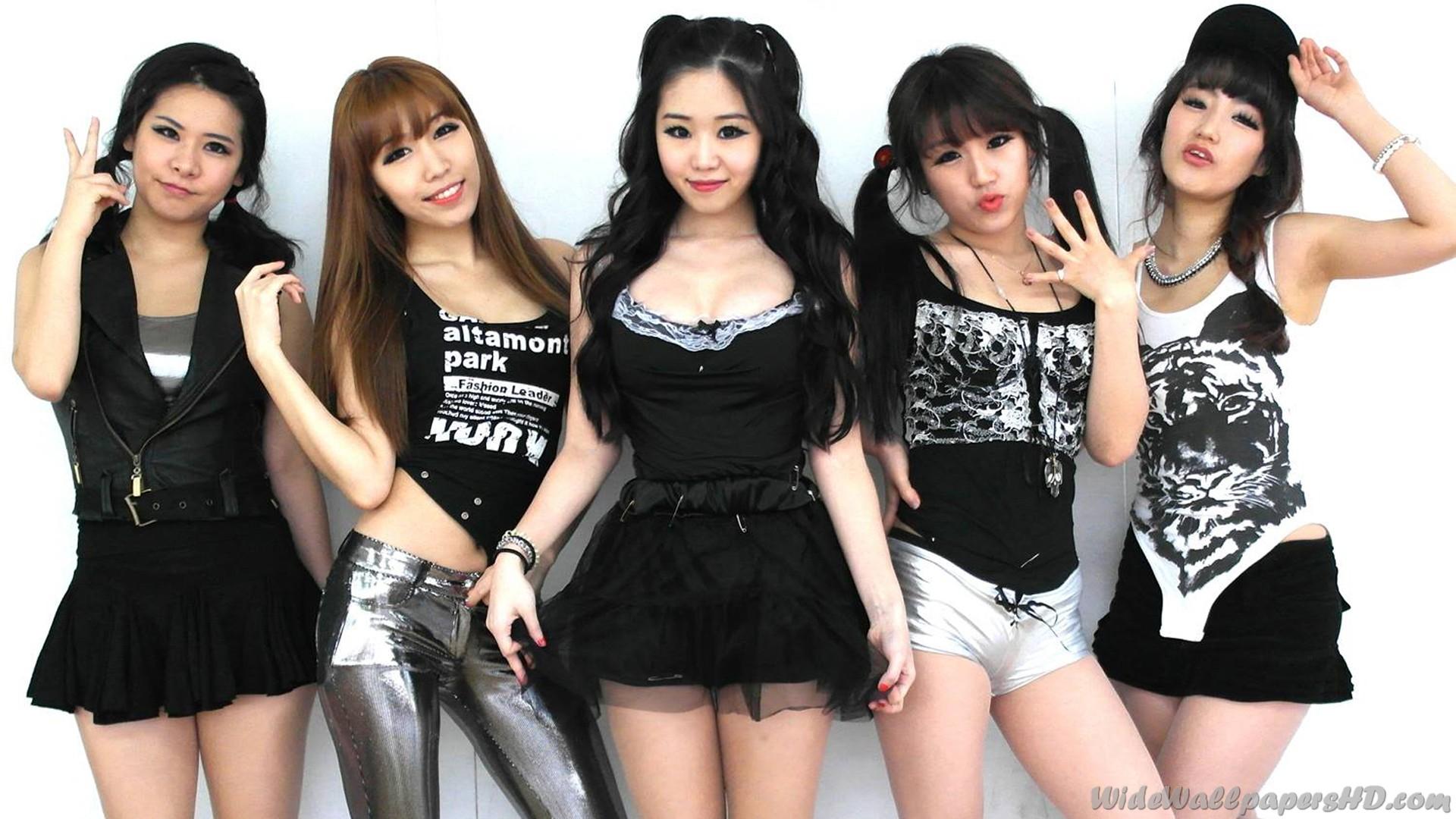 И всё-таки, кто из них — самая красивая? =)